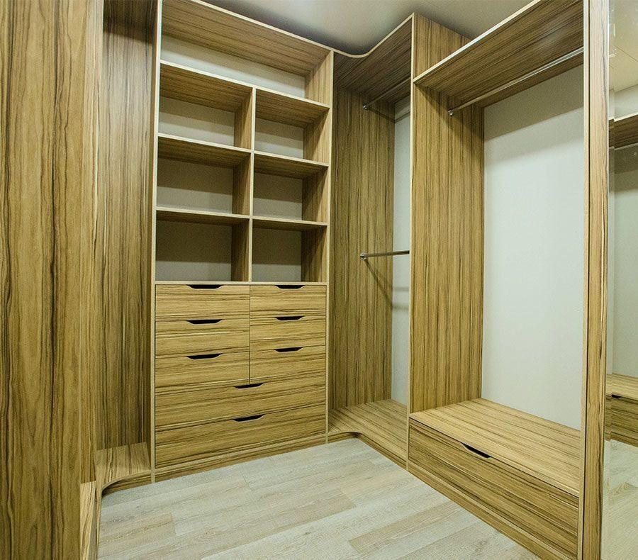 Гардеробная комната для всей семьи сделана на заказ по индив.